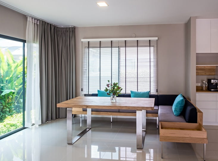 Curtains and Blinds for Home Decor