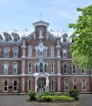 Know About Canadian Boarding School